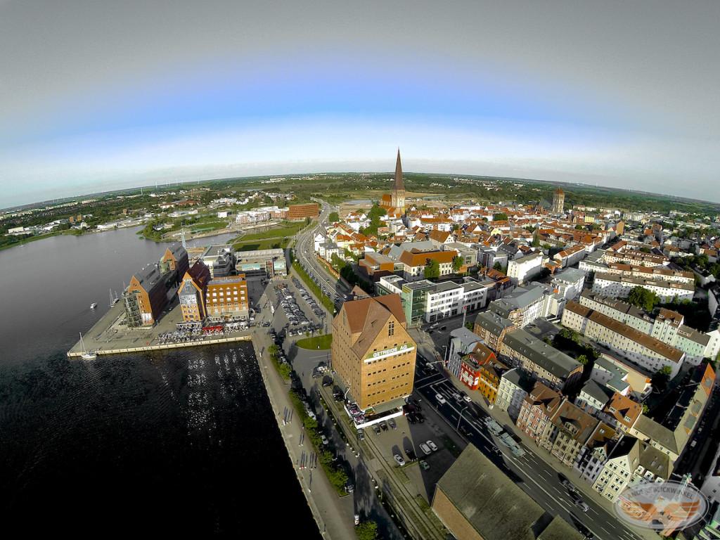 Blick auf Rostock vom Strande